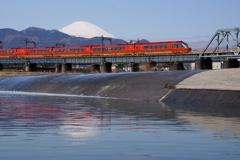 新客を迎える富士山‼