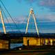 秋の夕焼けと橋