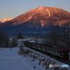 信濃富士の夜明け