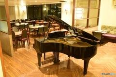 ピアノのあるレストラン