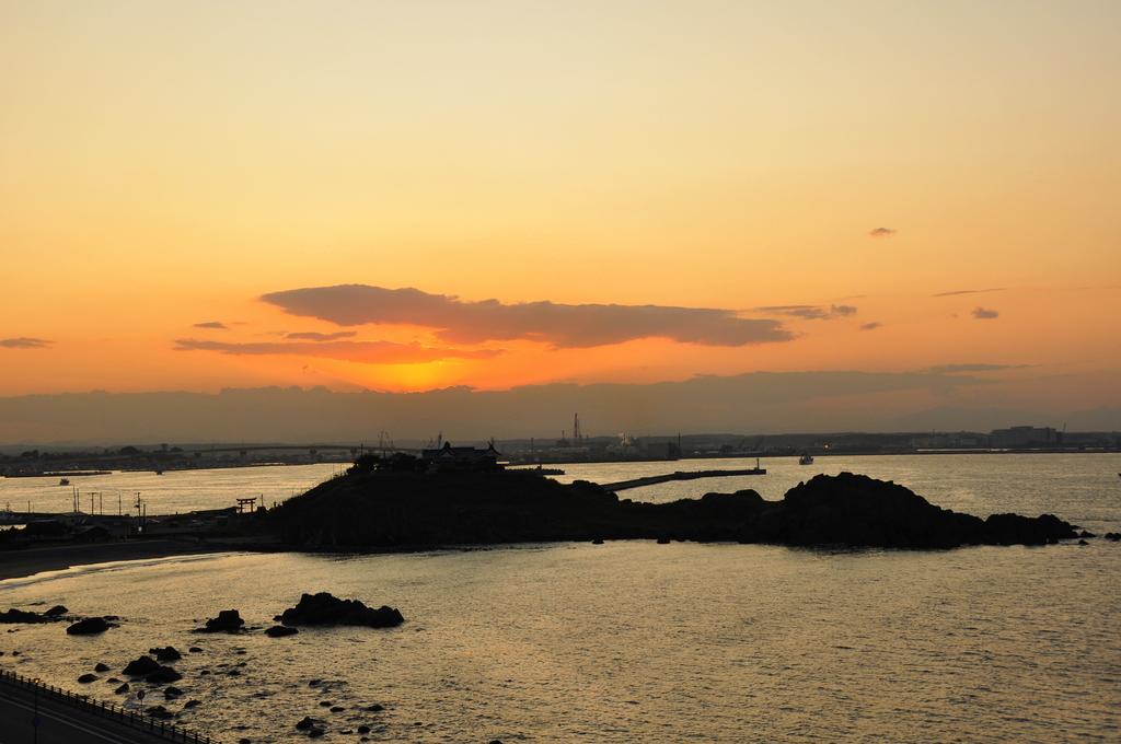 夕方、蕪島にて