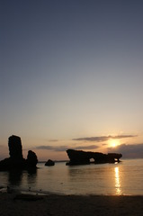 ビーチと夕暮れ