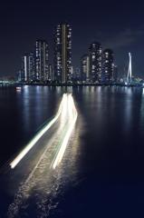 都市の海神、走る