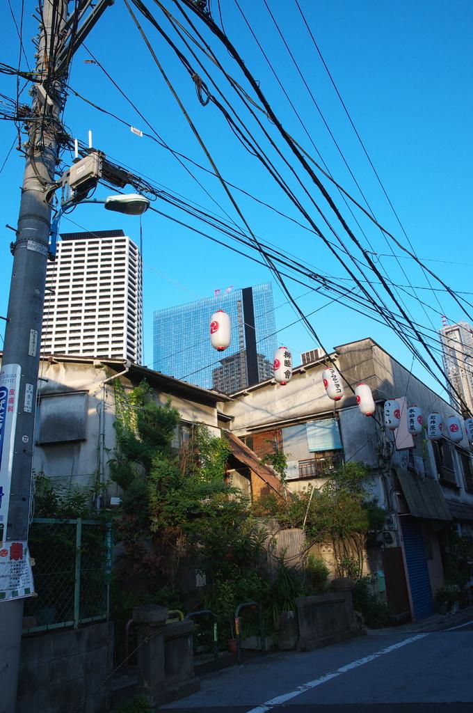 西新宿の街角