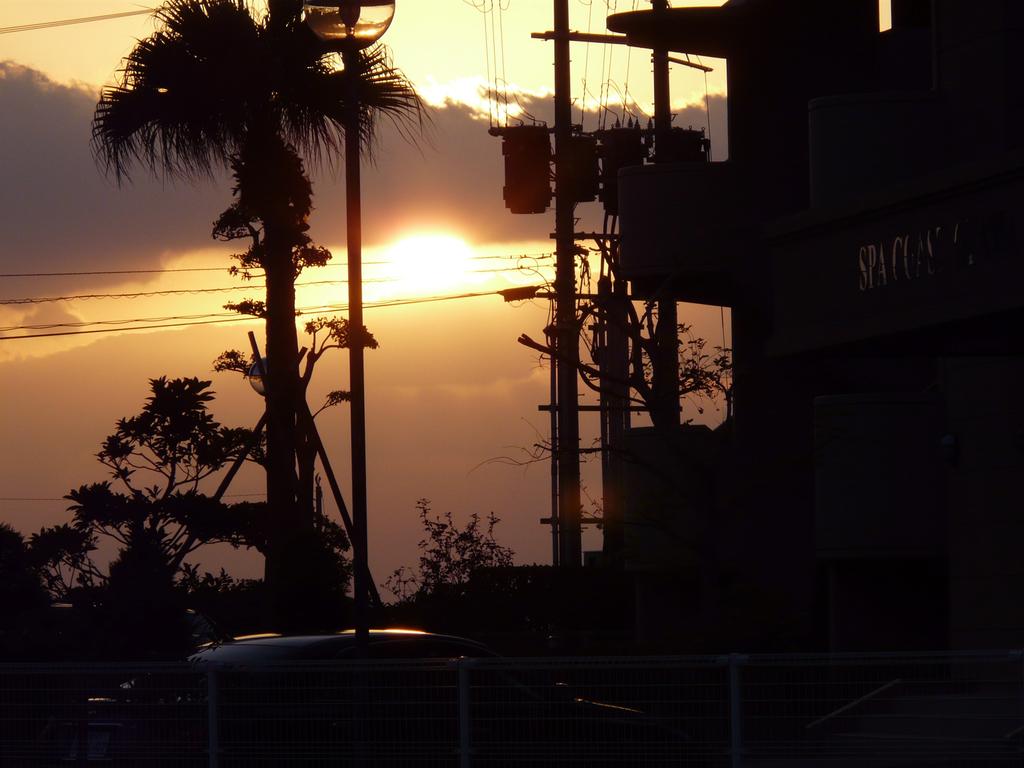 before sunset 16:58
