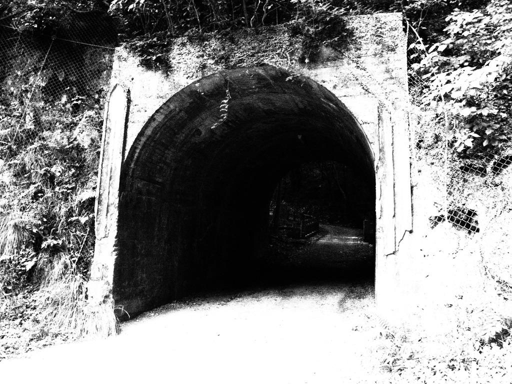 普通のトンネル