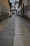 雨後の路地