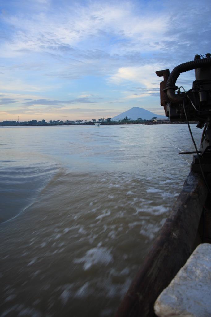 富嶽インドネシア景 動