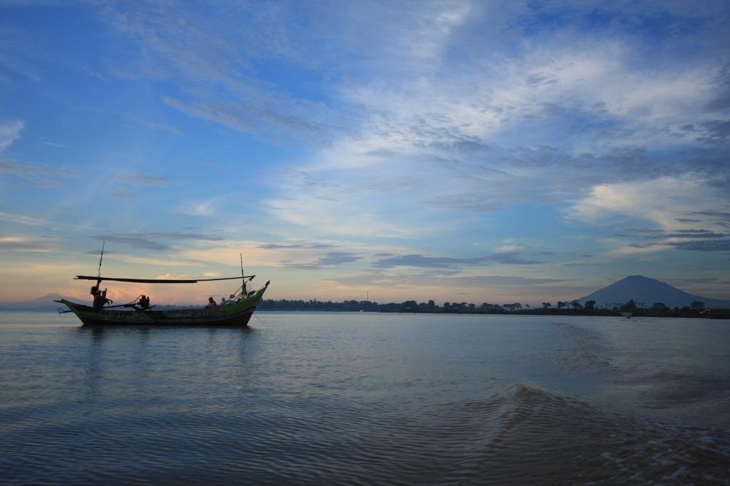 富嶽インドネシア景 静