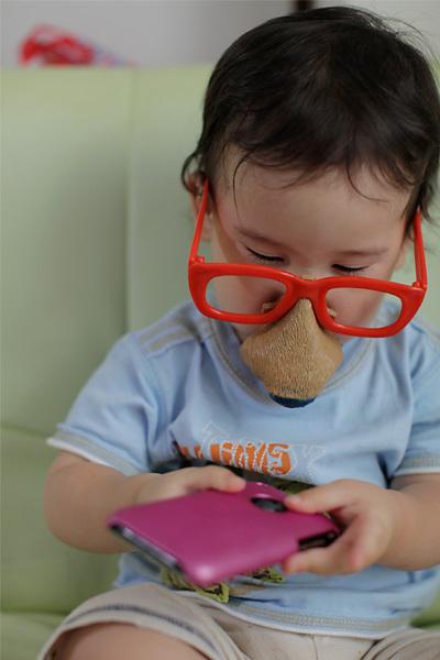 携帯持ったら鼻眼鏡どころではなくなるだよね
