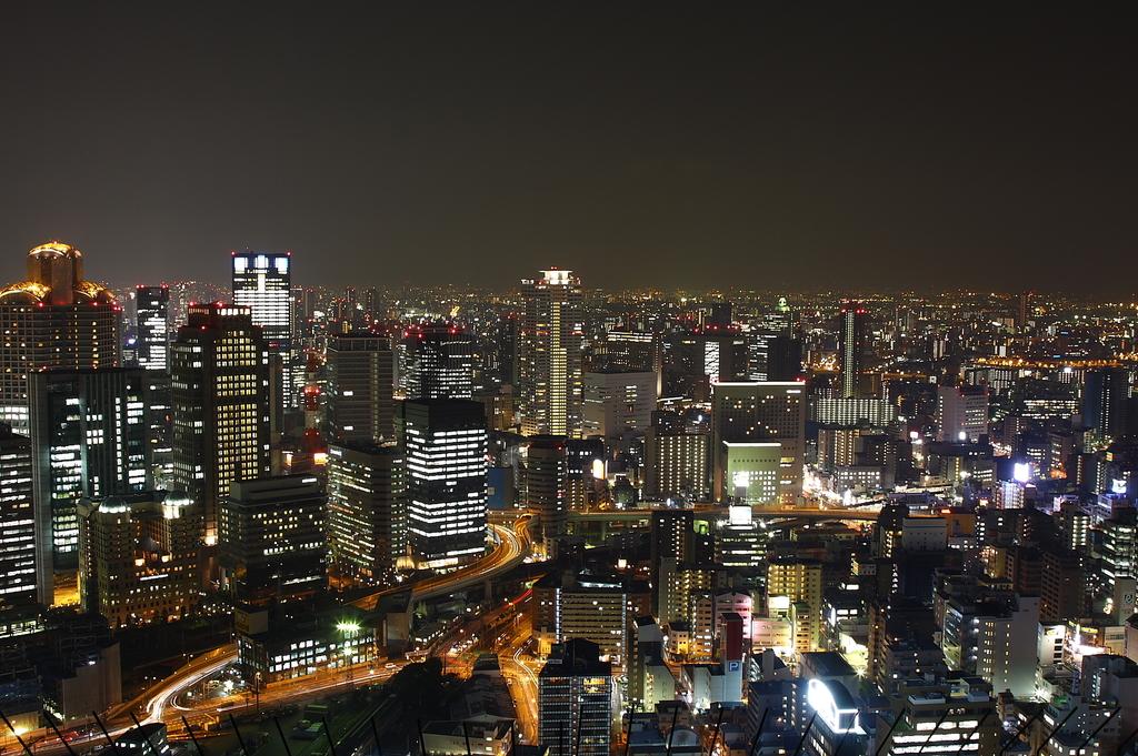 梅田スカイビルの夜景1