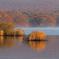 Of the lake surface morning fog