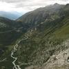 ローヌ氷河から流れ出るローヌ川