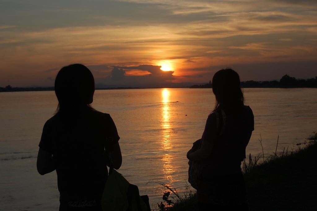 メコン川の沈みゆく夕日