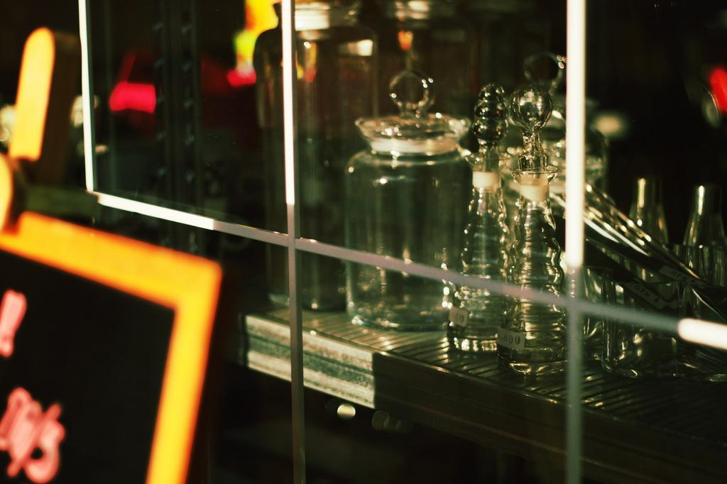 ガラス越しのガラス。