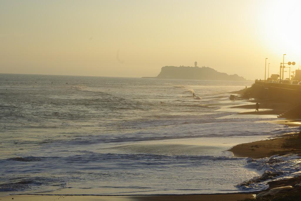 夕暮れ、海岸線