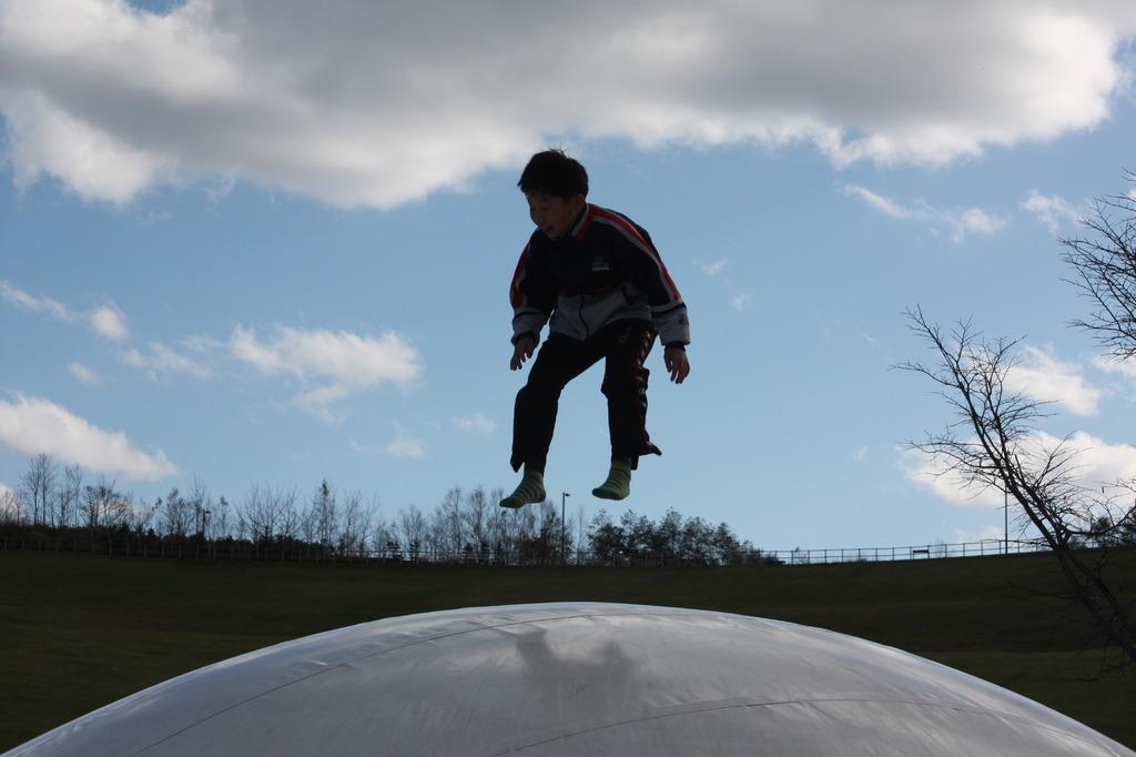 飛ぶ_少年