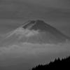 富士山をモノクロで