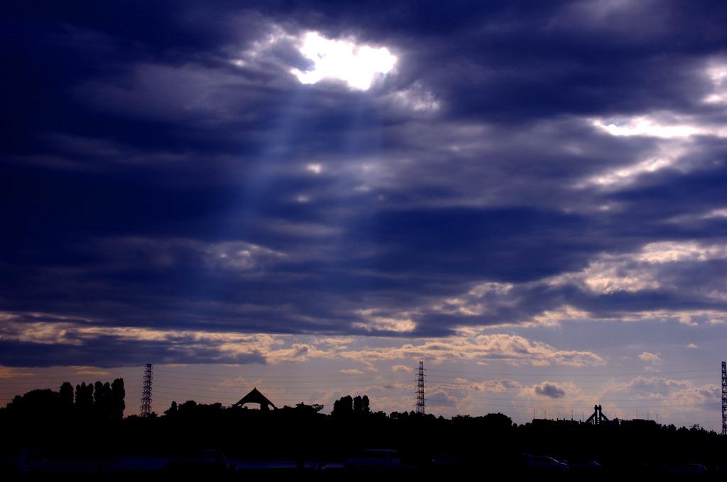 雲間からのヒカリ