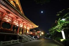 浅草 夜の浅草寺