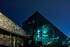 ガラスのピラミッド 夜の光景