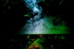 暗闇と煙とグリーン