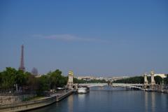エッフェル塔とセーヌ川