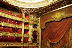 パリ中心 オペラ・ガルニエ 会場