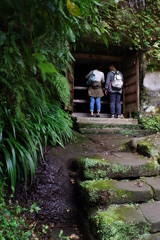 Kamakura散歩  海蔵寺近く 16の井戸 入口