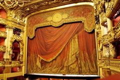 パリ中心 オペラ・ガルニエ 会場 2