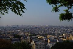 モンマルトルの丘より パリ中心地の方向