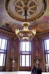 パリ中心 オペラ・ガルニエ シャンデリア