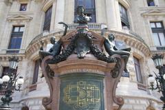 パリ中心 オペラ・ガルニエ