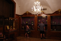 ウィーン3日目 王宮 宝物展 食器類色々