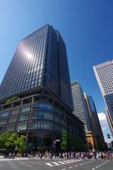 東京散歩 大きなビルとたくさんの人たち