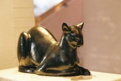 フィルム 大佛次郎記念館 入口にいた猫の置物
