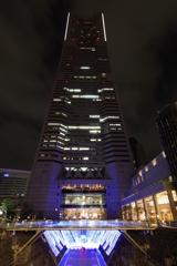 夜景を撮ってみよう! ランドマークタワーとイルミネーション