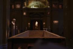 Kunsthistorisches museum 遠くで輝く彫刻