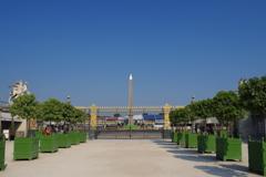 コンコルド広場 青空とオベリスク
