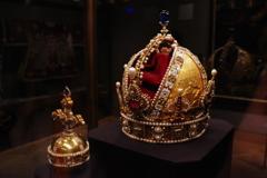 ウィーン3日目 王宮 宝物展 王冠