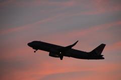 夕日の飛行機