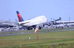 「はれー」 DELTA 747-400 N667US Landing