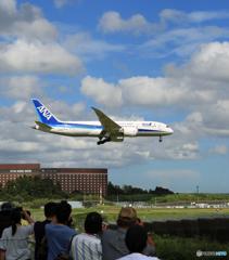 「良い空~」 ANA 787-9 JA887A  Landing