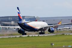 「晴れ」 Aeroflot A330-343 離陸
