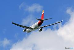 「青色が好き」 Iberia A330-202 EC-MNK出発