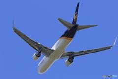 「青色」 UPS 767 N347UP Takeoff