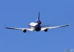 「青色」 FedEx MD-11 N613FE 飛行