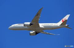 「良い空~」 JAL 787-8 JA836J 出発です