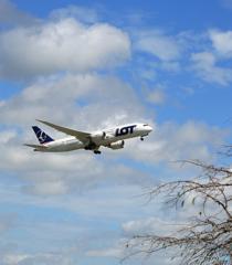 「SKY」 LOT 787-8 SP-LRC Takeoff