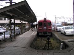 石越駅にて